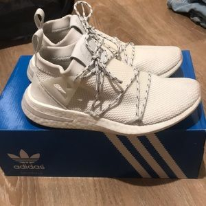 Adidas Arkyn knit white sneakers